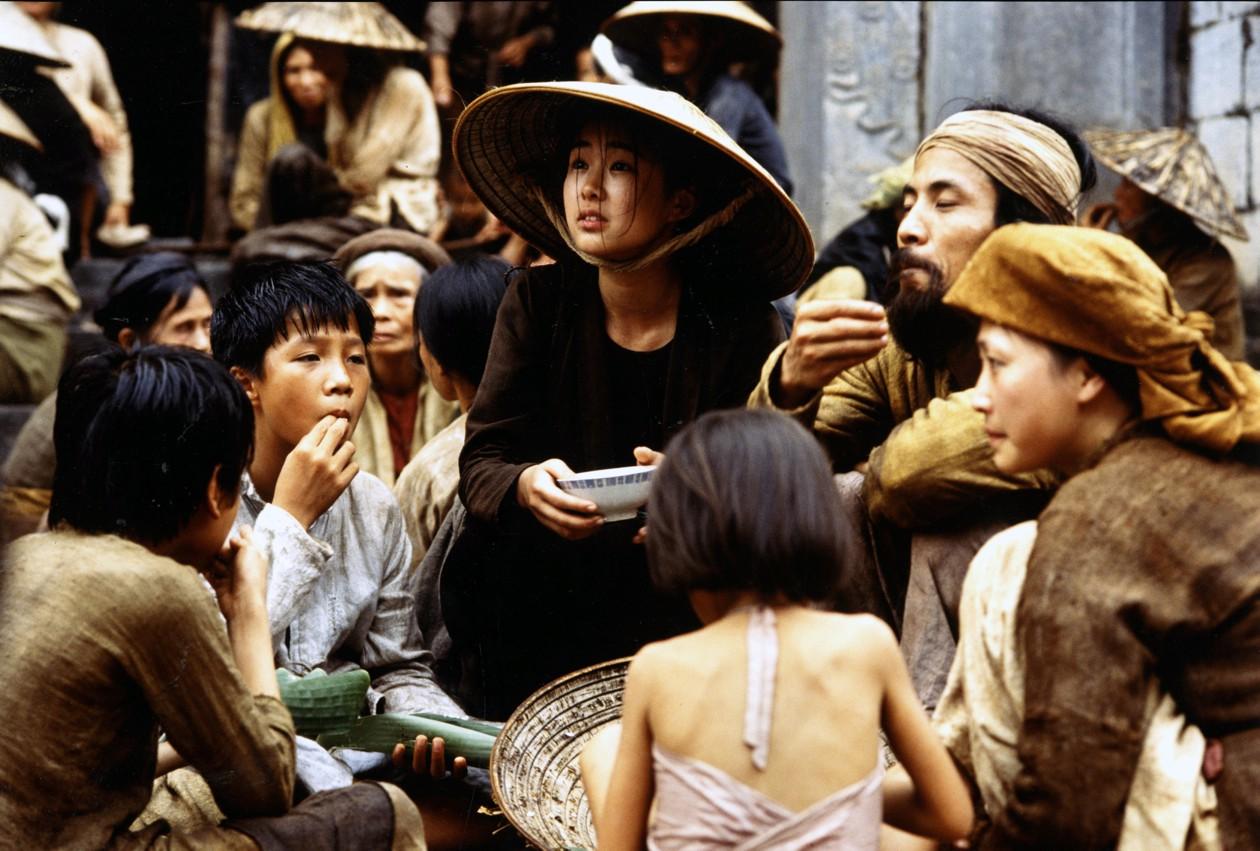 4 câu chuyện tình trai Tây - gái Việt từng gây thổn thức trên màn ảnh rộng - Ảnh 3.