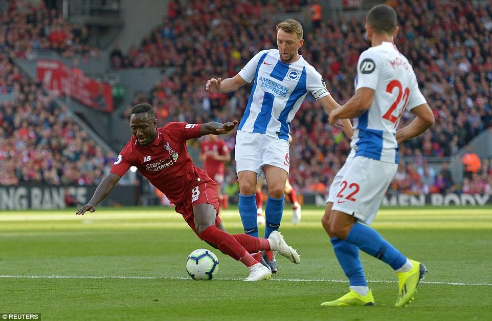Salah ghi bàn nhanh như điện đưa Liverpool lên ngôi đầu bảng xếp hạng Premier League 2018/19 - Ảnh 4.