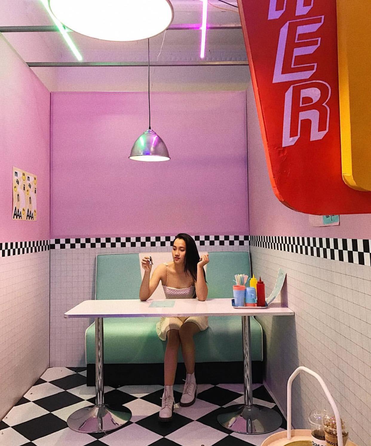 Lâu ngày trở lại, The New District tiếp tục gây sốt nhờ vào photobooth đẹp như phim điện ảnh - Ảnh 22.