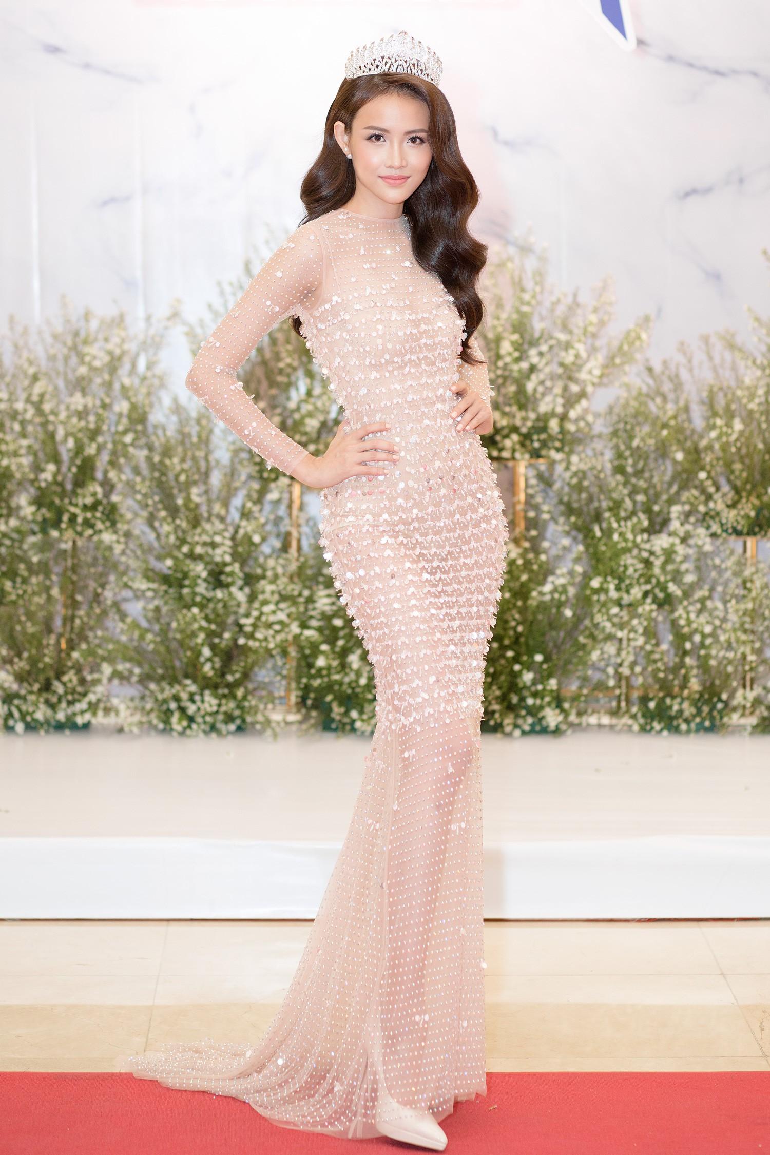 Top 3 Miss Supranational Vietnam cùng đội vương miện, lần đầu xuất hiện nổi bật giữa sự kiện - Ảnh 9.