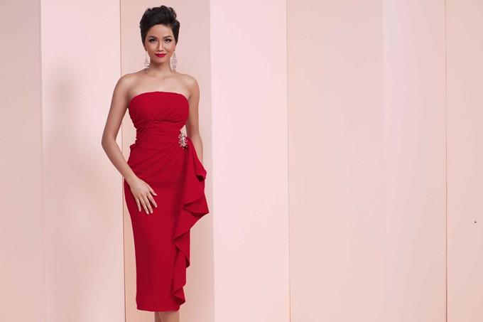 Giữa dàn người đẹp Hoa hậu Hoàn vũ Việt Nam, HHen Niê nổi bật với nhan sắc đầy sắc sảo và cá tính - Ảnh 4.
