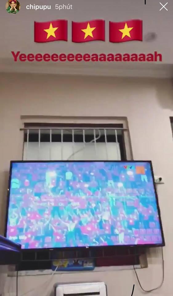 Văn Toàn ghi bàn Việt Nam vs Syria, Tuấn Hưng, Chi Pu vỡ òa sung sướng - Ảnh 4.