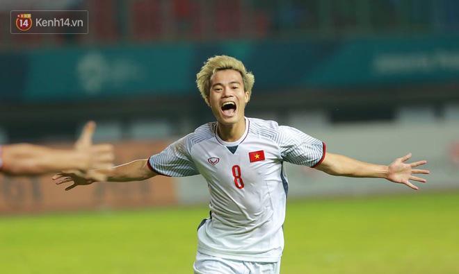 Cận cảnh bàn thắng vàng của Văn Toàn đưa Việt Nam vào bán kết ASIAD 2018 1