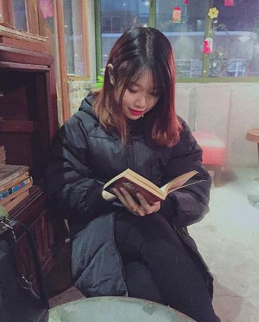Bạn gái xinh xắn của Văn Toàn hoá ra từng là fangirl kiên trì bay hàng nghìn km để cổ vũ anh chàng đá bóng - Ảnh 9.