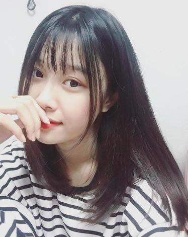 Bạn gái xinh xắn của Văn Toàn hoá ra từng là fangirl kiên trì bay hàng nghìn km để cổ vũ anh chàng đá bóng - Ảnh 4.