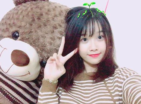 Bạn gái xinh xắn của Văn Toàn hoá ra từng là fangirl kiên trì bay hàng nghìn km để cổ vũ anh chàng đá bóng - Ảnh 7.
