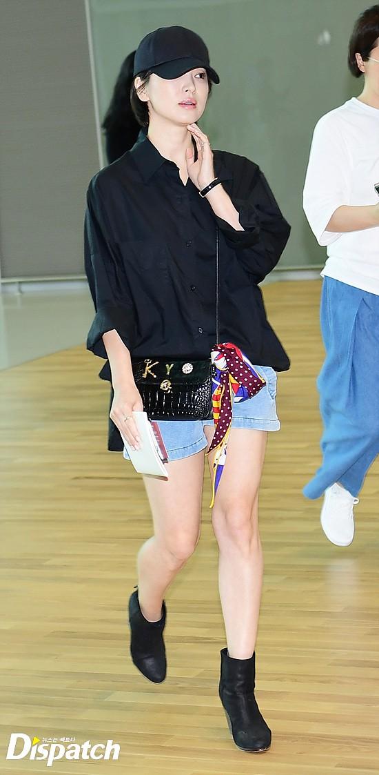 Lâu lắm mới lộ diện, Song Hye Kyo ăn mặc giản dị hết mức nhưng vẫn gây choáng ngợp với nhẫn kim cương 90 triệu - Ảnh 5.