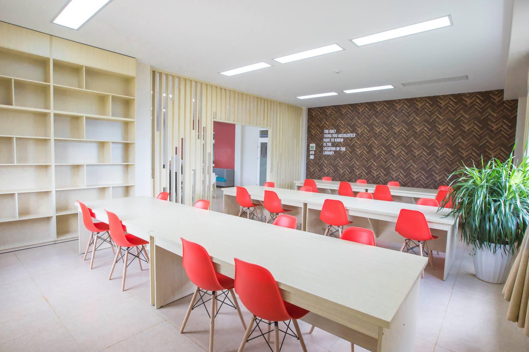 Choáng ngợp với sự sang chảnh của ngôi trường giữa phố núi Tây Nguyên, nơi được ví như Dubai Việt Nam - Ảnh 7.