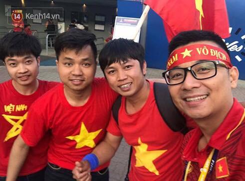 Trực tiếp từ Hàn Quốc: Hàng nghìn du học sinh và người hâm mộ hô vang Việt Nam vô địch trên đất Hàn, mong chờ phép màu xảy ra - Ảnh 9.