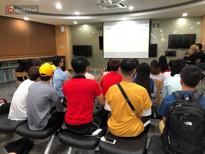 Trực tiếp từ Hàn Quốc: Hàng nghìn du học sinh và người hâm mộ hô vang Việt Nam vô địch trên đất Hàn, mong chờ phép màu xảy ra - Ảnh 11.