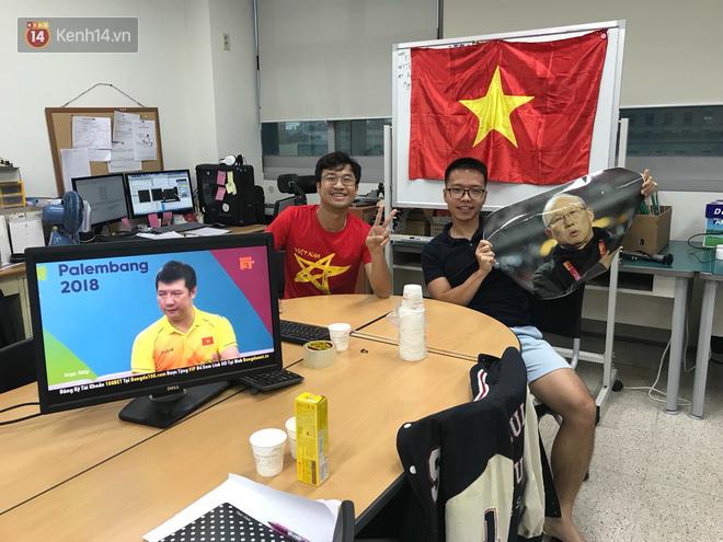 Trực tiếp từ Hàn Quốc: Hàng nghìn du học sinh và người hâm mộ hô vang Việt Nam vô địch trên đất Hàn, mong chờ phép màu xảy ra - Ảnh 5.