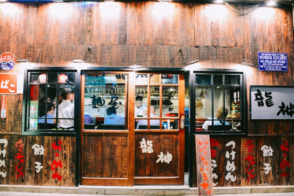 Kỳ lễ này nhất định phải oanh tạc hết mấy khu ẩm thực từ Á sang Âu ngay giữa lòng Sài Gòn - Ảnh 2.