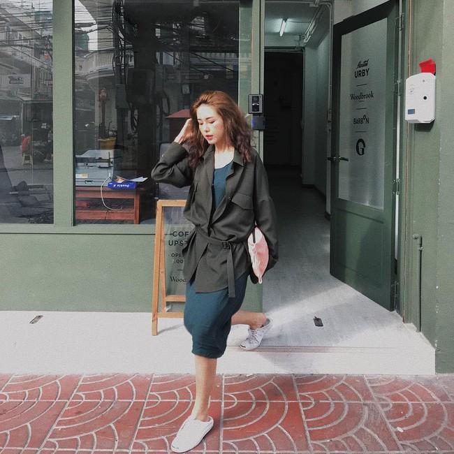 Trời chớm thu, loạt hot trend của mùa mới đều góp mặt trong street style tuần này của các quý cô châu Á - Ảnh 1.
