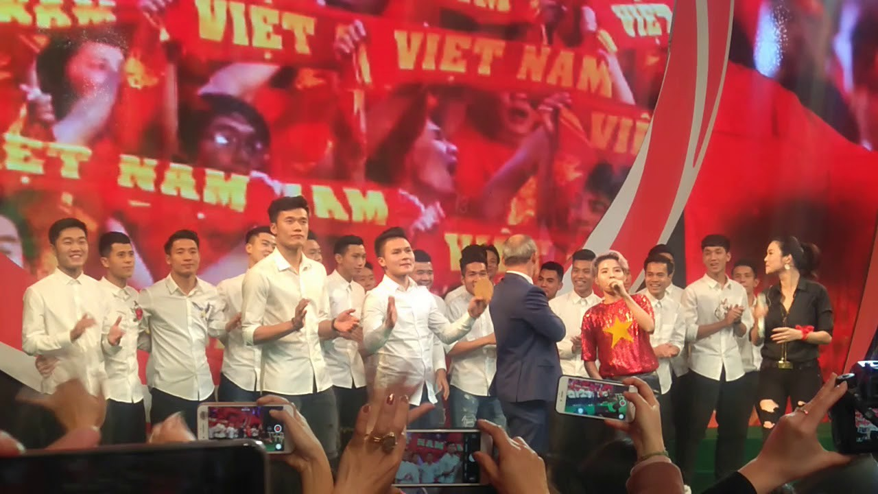 Playlist: Những ca khúc nên nghe lúc này để chúc mừng cho chiến thắng của đội tuyển Việt Nam - Ảnh 5.