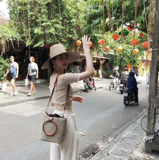 Trời chớm thu, loạt hot trend của mùa mới đều góp mặt trong street style tuần này của các quý cô châu Á - Ảnh 15.