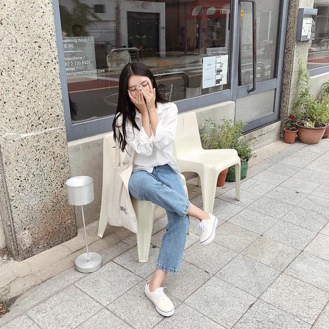 Trời chớm thu, loạt hot trend của mùa mới đều góp mặt trong street style tuần này của các quý cô châu Á - Ảnh 6.
