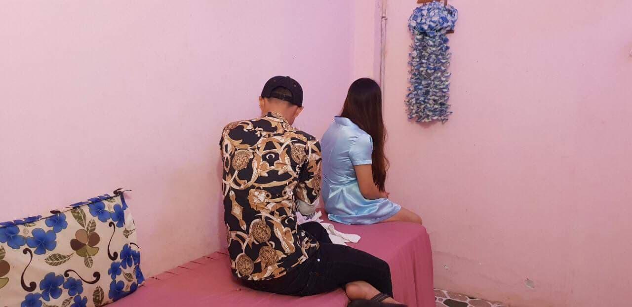 """TP. HCM: Quý ông bỏ 2 triệu đồng để được nữ nhân viên massage cởi đồ """"tắm tiên"""" - Ảnh 1."""