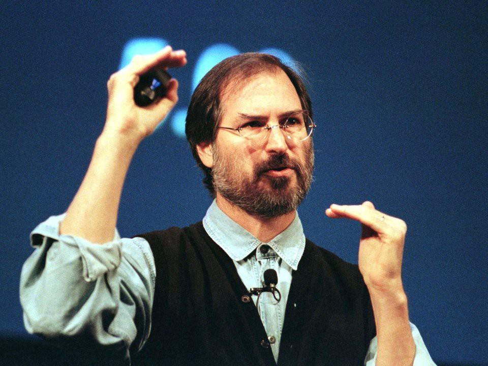 13 cột mốc ấn tượng của Apple trong hành trình trở thành công ty công nghệ nghìn tỉ đô đầu tiên trên thế giới - Ảnh 5.
