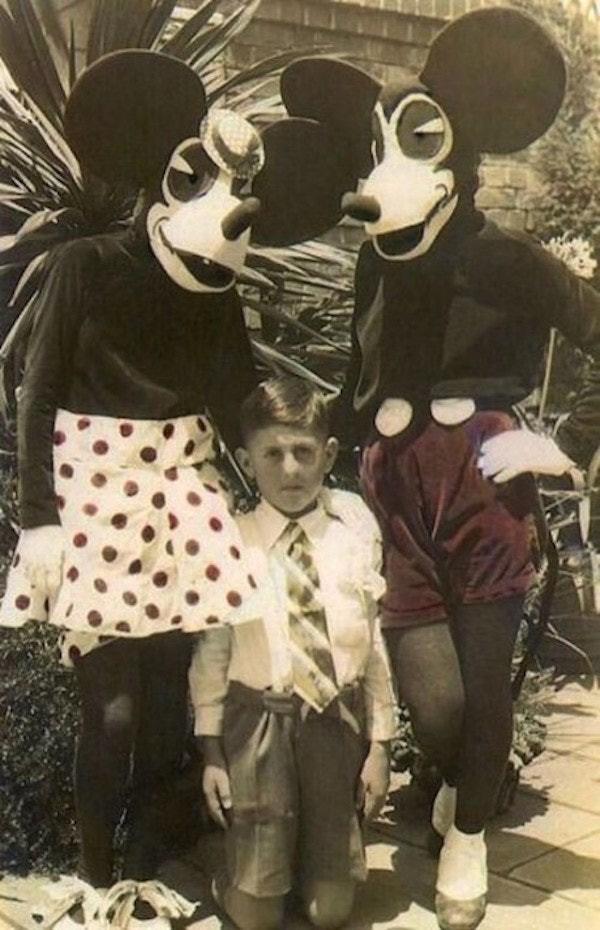 Những hình ảnh chứng minh ngày xưa Disneyland là chỗ để hù dọa trẻ con khóc thét chứ chẳng phải chốn thần tiên hạnh phúc gì - Ảnh 3.