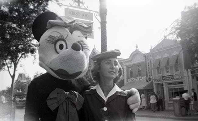 Những hình ảnh chứng minh ngày xưa Disneyland là chỗ để hù dọa trẻ con khóc thét chứ chẳng phải chốn thần tiên hạnh phúc gì - Ảnh 8.