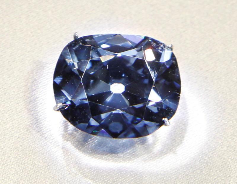 Xác nhận nguồn gốc bí ẩn của những viên kim cương xanh hiếm và giá trị bậc nhất lịch sử Trái đất: Địa ngục - Ảnh 3.