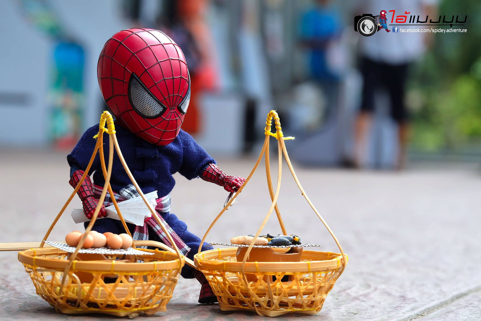 Góc mưu sinh: Khi Spider-Man cũng phải bươn chải đủ nghề từ cửu vạn tới bán hàng rong để kiếm sống - Ảnh 6.