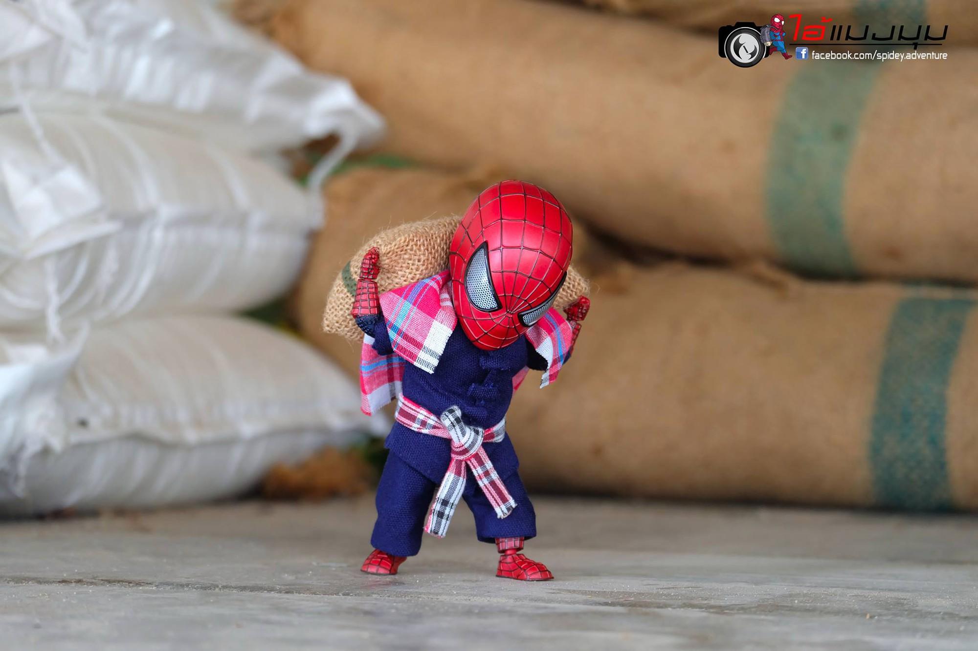Góc mưu sinh: Khi Spider-Man cũng phải bươn chải đủ nghề từ cửu vạn tới bán hàng rong để kiếm sống - Ảnh 1.
