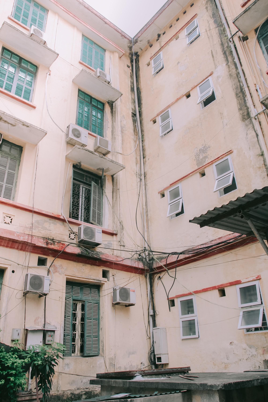 Ở Hà Nội có 1 ngôi trường mà đến cái thùng rác cũng là 1 góc sống ảo so deep - Ảnh 18.