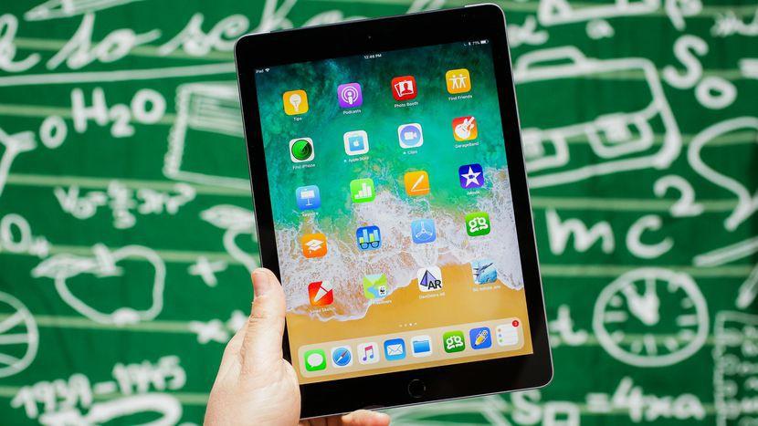 Chuyện thật như đùa: Steve Jobs làm ra iPhone là để trả đũa một nhân viên đáng ghét ở Microsoft? - Ảnh 1.