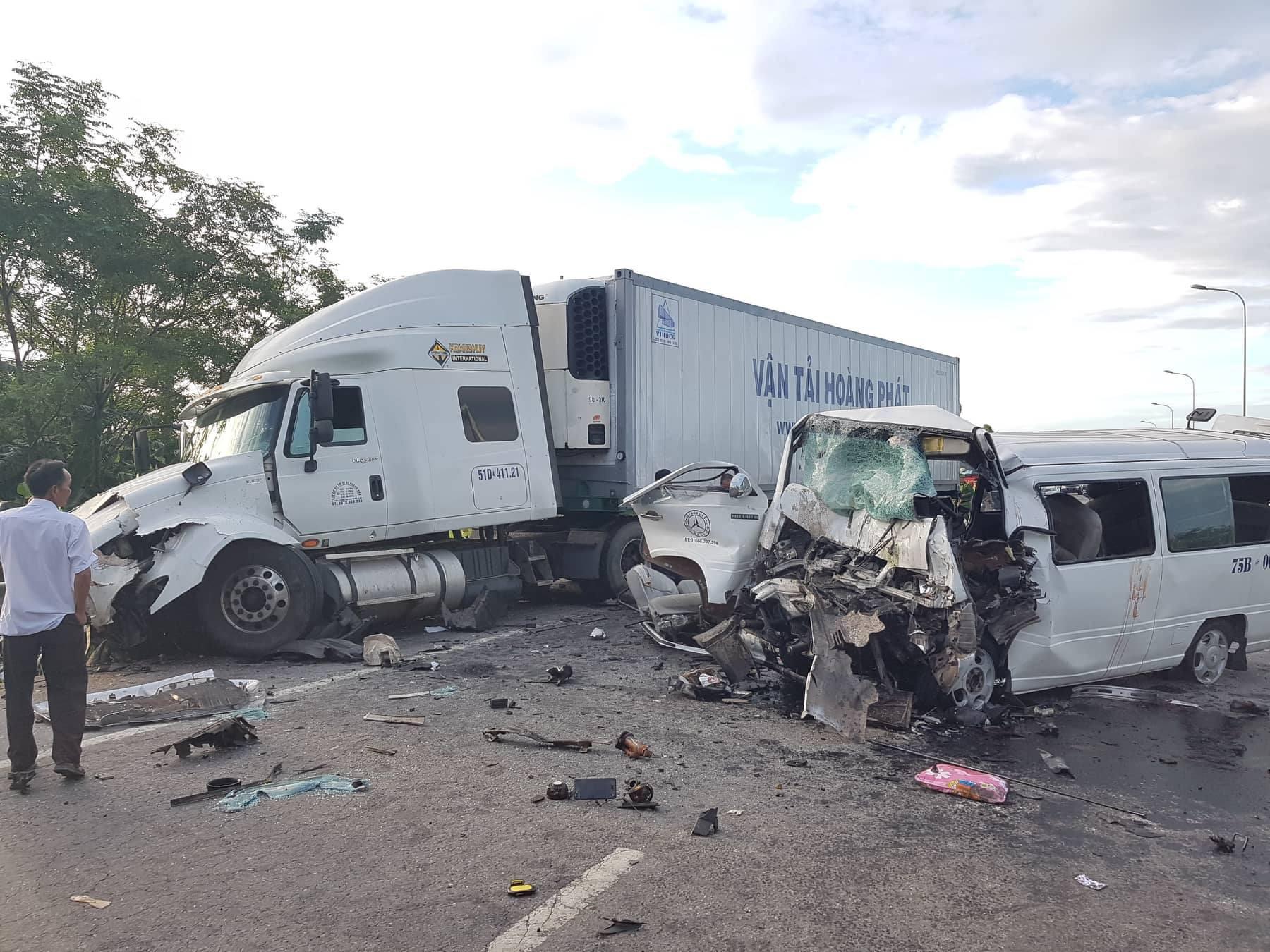 Những tai nạn giao thông, cháy nổ thảm khốc khiến nhiều người thiệt mạng từng gây đau xót trong dư luận - Ảnh 1.