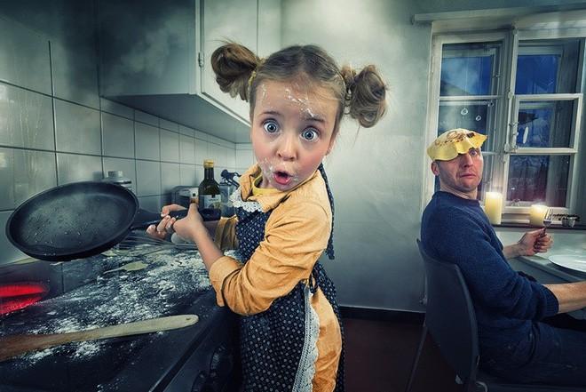 """Ông bố """"bựa nhất năm"""", chụp hình những đứa con và đưa chúng vào thế giới viễn tưởng bằng Photoshop - Ảnh 2."""