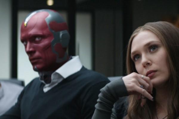 """Liệu anh em nhà Russo có thực sự """"vô tình"""" khi để các nhân vật ngồi một cách có chủ đích như vậy?"""