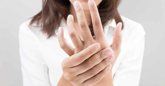 Lời cảnh báo có khối u xuất hiện trong não qua những biểu hiện tưởng như vô hại - Ảnh 4.