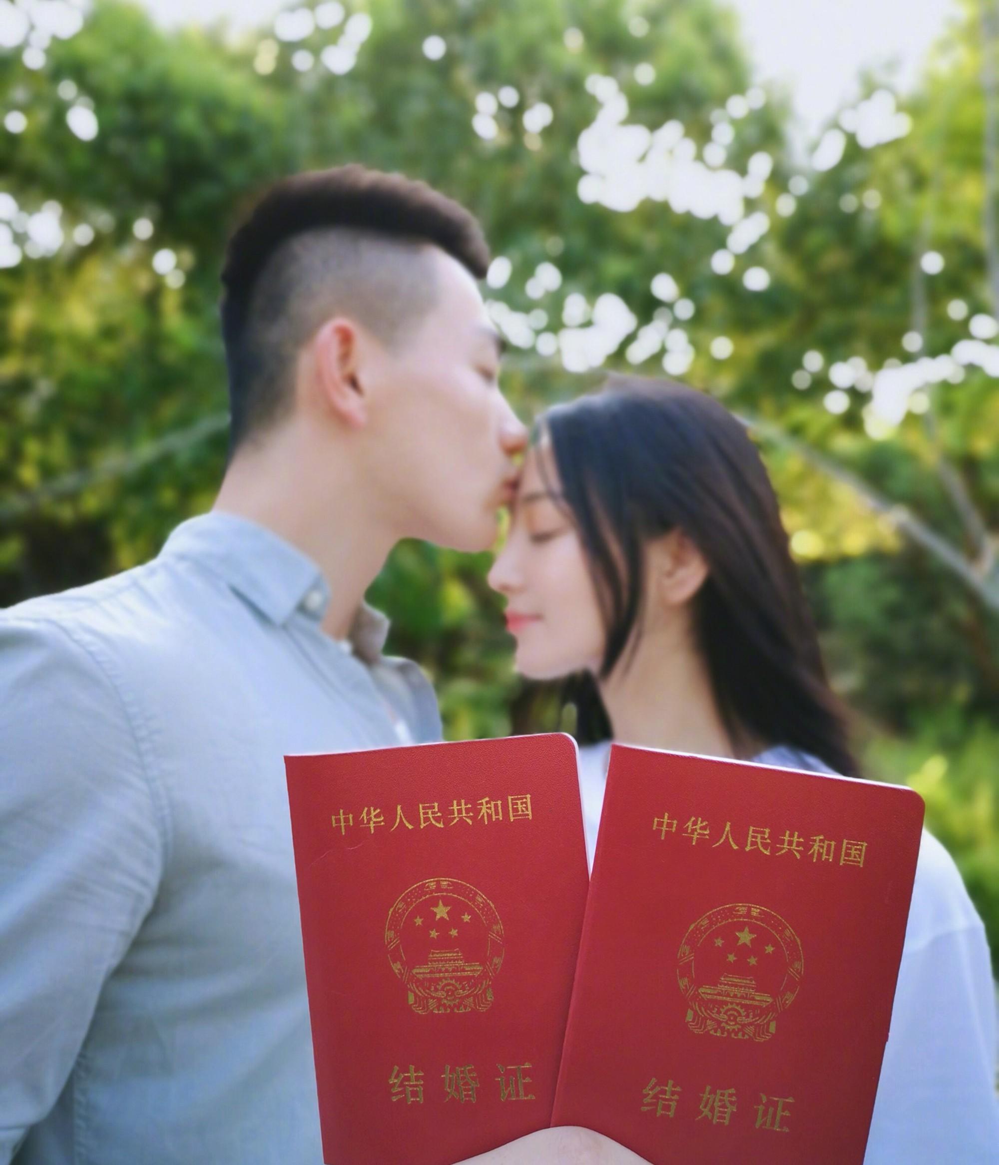 """Cao tay như tình địch 1 thời của Phạm Băng Băng: Giữa lúc """"kẻ thù"""" vào thời kì nước sôi lửa bỏng thì tuyên bố kết hôn - Ảnh 4."""