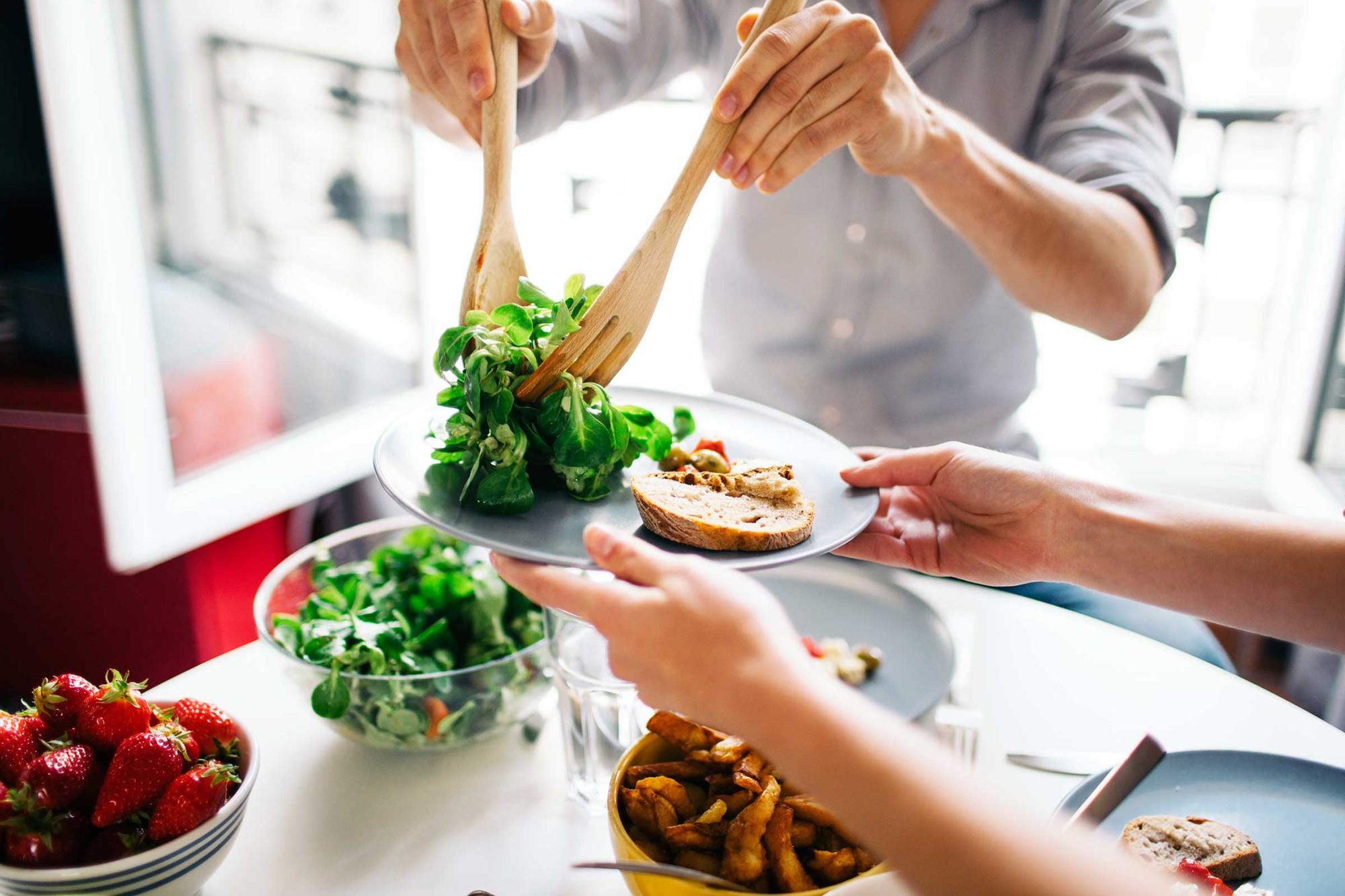 Ăn để giảm cân, nghe phi lý nhưng hoàn toàn hiệu quả nếu bạn áp dụng những bí quyết này - Ảnh 3.