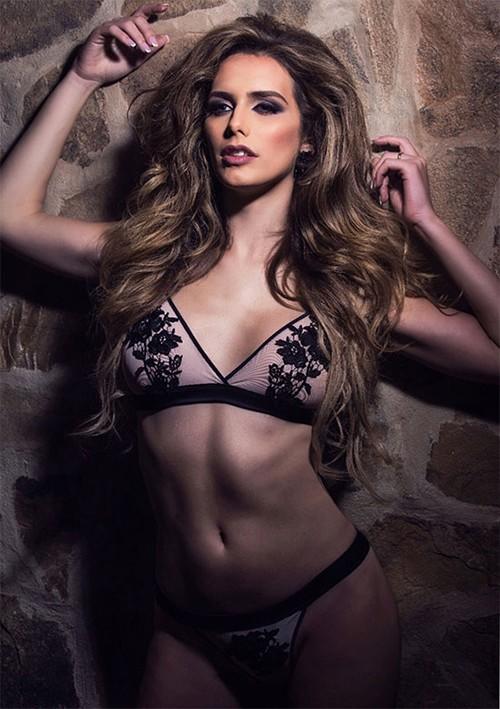 Nhan sắc rực rỡ của Hoa hậu chuyển giới đầu tiên trong lịch sử tham gia Miss Universe - Ảnh 7.