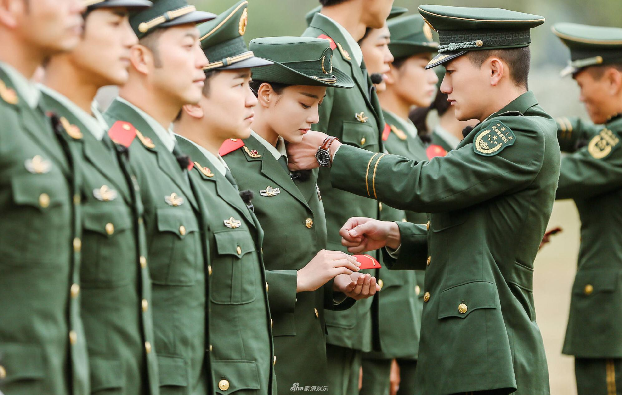 Trương Hinh Dư: Từ gái bao nhà hàng với loạt ảnh nóng đến cú thoát xác ngoạn mục trước Phạm Băng Băng - Ảnh 25.