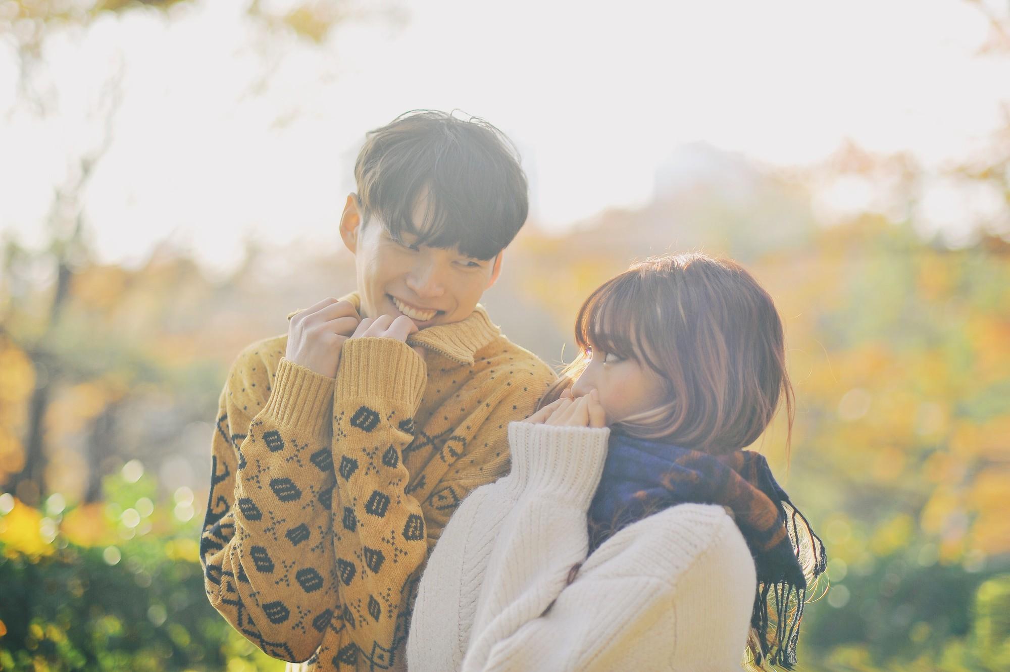 Nam thần Hàn Quốc từng đóng MV của Min: Ông bố cực cưng chiều và dịu dàng khi ở cạnh cô con gái nhỏ - Ảnh 2.