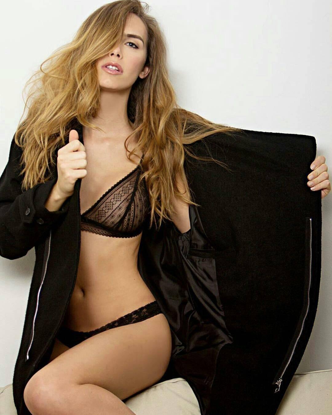 Nhan sắc rực rỡ của Hoa hậu chuyển giới đầu tiên trong lịch sử tham gia Miss Universe - Ảnh 4.