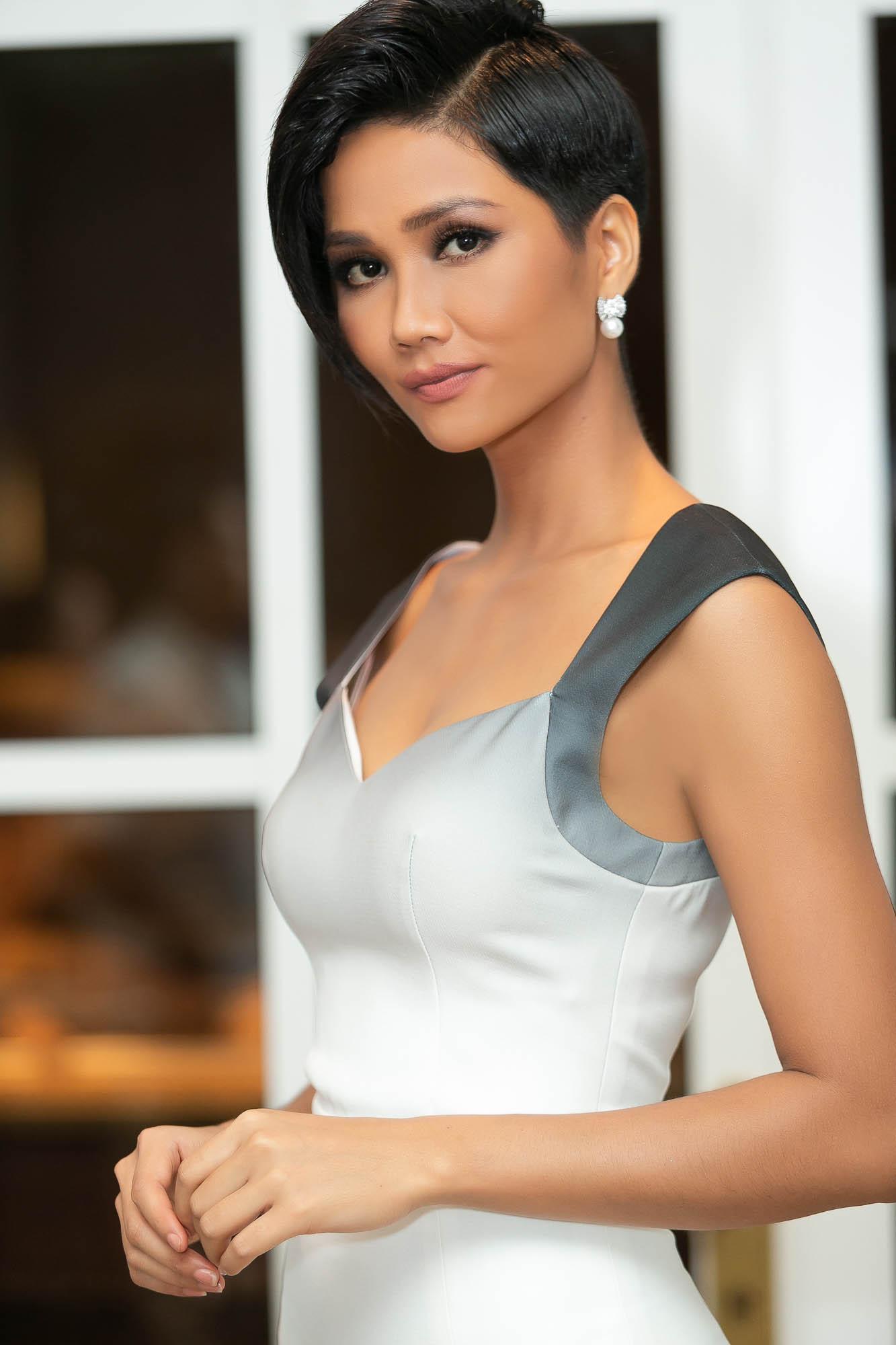 HHen Niê động viên Hoa hậu Hoàn vũ Indonesia sau trận động đất lịch sử khiến gần 100 người thiệt mạng - Ảnh 3.