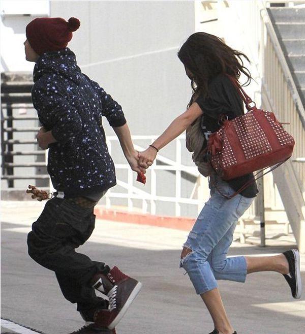 Từ Selena đến Hailey: Từng nàng đến và đi, chỉ có quần tụt là mãi mãi trường tồn cùng Justin Bieber - Ảnh 6.