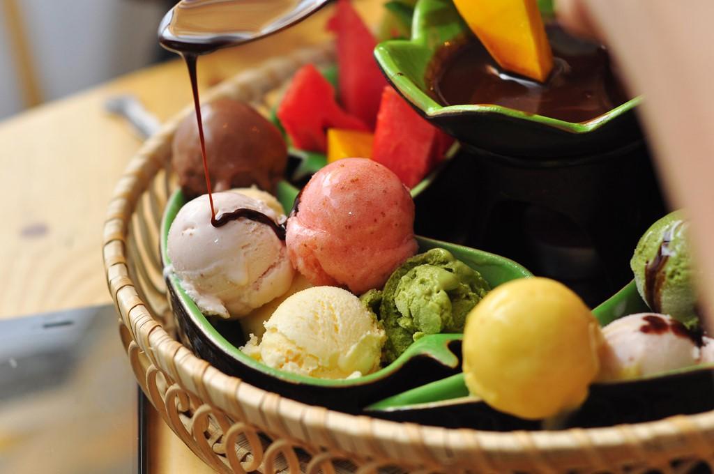 Ăn lẩu nóng xưa rồi, mùa hè ở Sài Gòn là phải thưởng thức mấy món lẩu mát rượi như thế này đây - Ảnh 1.