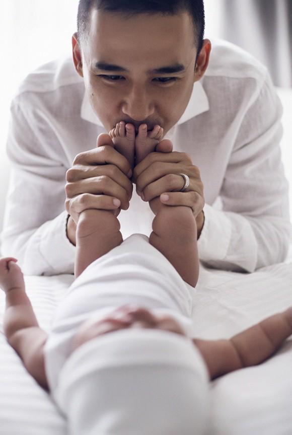 Lương Thế Thành - Thuý Diễm khoe bộ ảnh hạnh phúc cùng quý tử đầu lòng giấu kín 1 tháng sau sinh - Ảnh 9.
