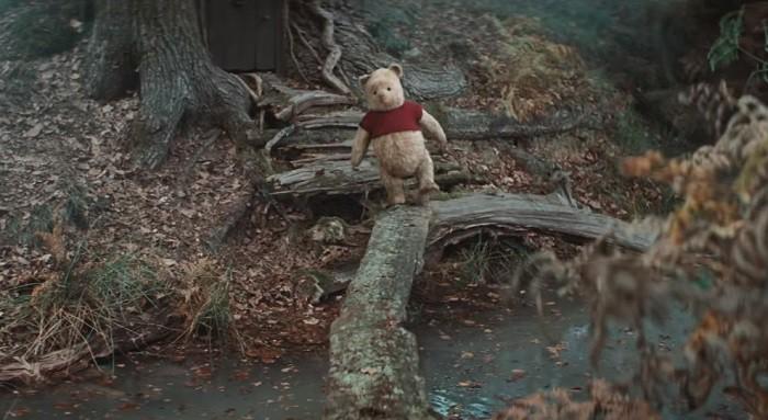 Pooh đã lạc mất tất cả bạn bè của mình và để tìm lại họ, cậu chỉ còn cách tiến về phía trước mà thôi.