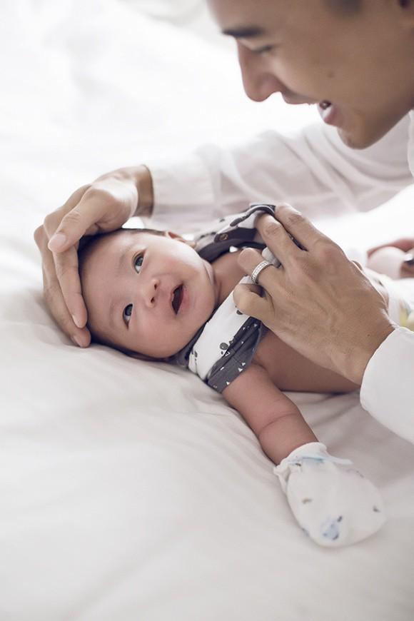 Lương Thế Thành - Thuý Diễm khoe bộ ảnh hạnh phúc cùng quý tử đầu lòng giấu kín 1 tháng sau sinh - Ảnh 10.