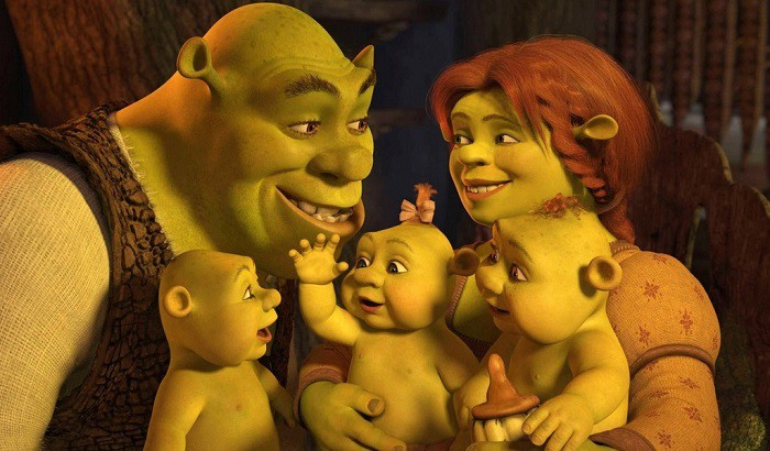 """Trong Shrek, DreamWorks chẳng ngại """"đá xoáy"""" Disney."""