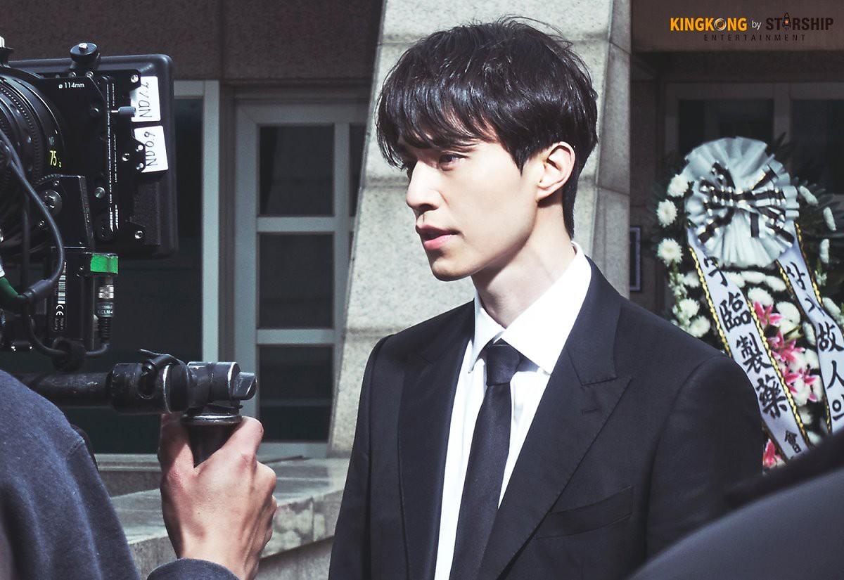 Lee Dong Wook đẹp thật...