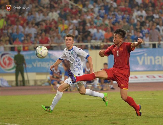Hình ảnh đẹp, đầy xúc động của U23 Việt Nam sau khi lên ngôi giải Tứ hùng - Ảnh 7.