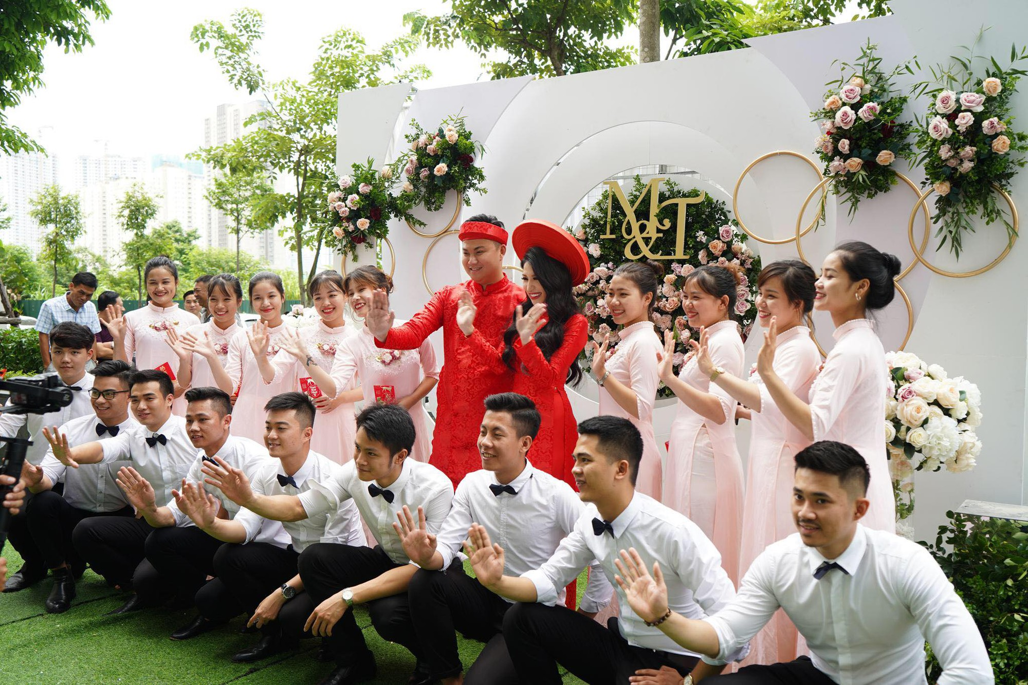 Toàn cảnh lễ ăn hỏi Vân Navy và chồng doanh nhân tại Hà Nội sáng nay- Ảnh 6.