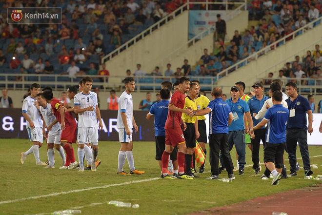 Hình ảnh đẹp, đầy xúc động của U23 Việt Nam sau khi lên ngôi giải Tứ hùng - Ảnh 10.